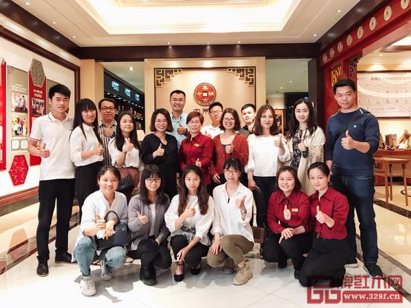 弘木传媒学习小组参观国方家居