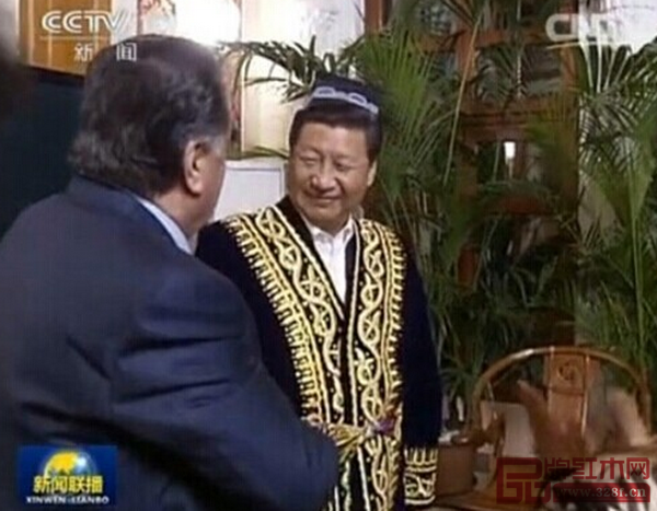 黄花梨制明式交椅作为国礼赠予塔吉克斯坦总统拉赫蒙