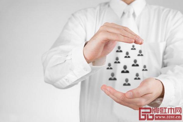 随着市场竞争的日益加剧,广大红木家具企业应对销售管理中存在的问题积极调整、改正,以保持市场竞争力