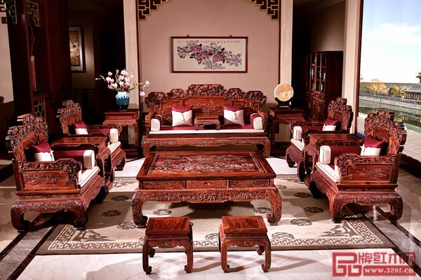 国方家居获奖精品——《大红酸枝·硕果累累沙发》