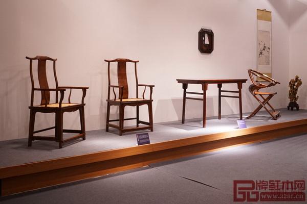 区氏臻品黄花梨经典家具亮相2017北京国际设计周,得到了业界的极大关注