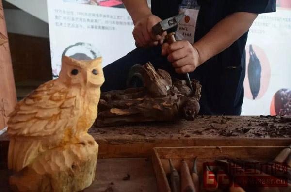 读匠心传承,赏红木经典 | 第七届佛山红木家具博览会隆重开幕!
