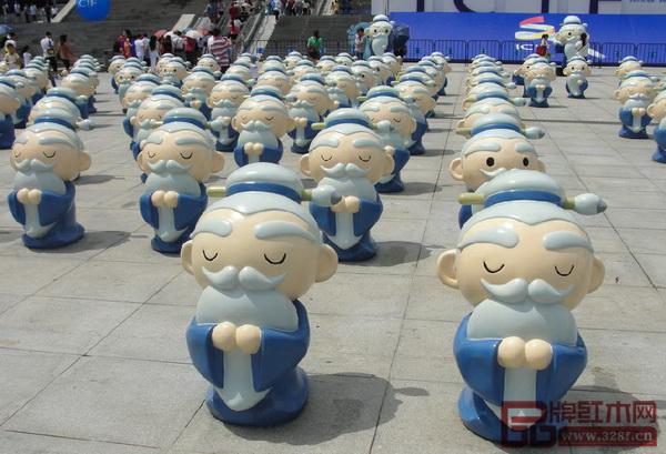 200个孔子公仔曾成为深圳文博会一道亮丽的风景线