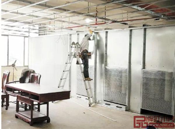 新明红木生产车间全部配备中央吸尘管理系统