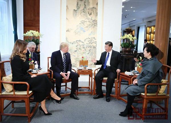 美国总统特朗普访华落坐故宫博物院宝蕴楼扇形面南官帽椅