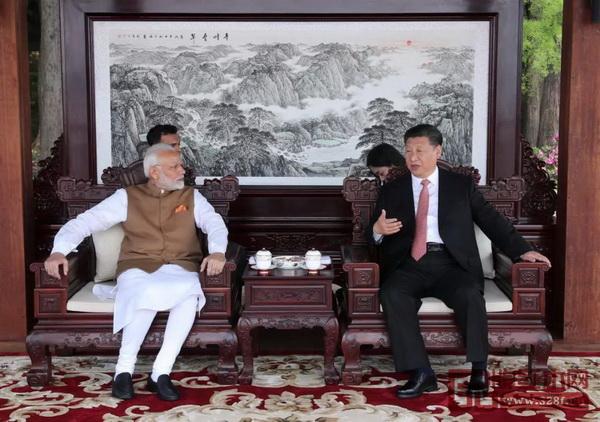 中印两国领导人武汉会晤时落坐红木家具