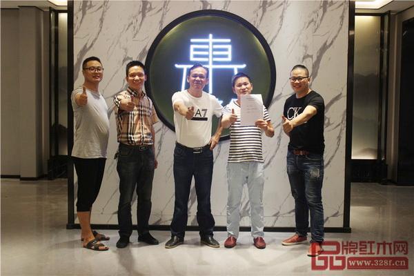 东方之信第一家品牌专卖店签约成功,迎来品牌建设开门红