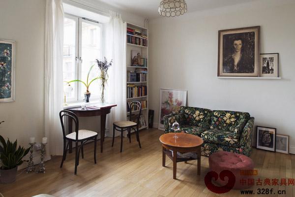 家具和装饰品让客厅看起来兼收并蓄、错落有致-清新小户型设计 优雅图片