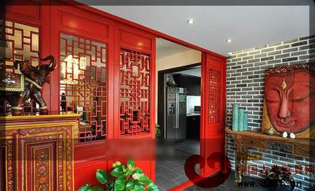 新古典风格别墅装修效果图:入户门厅,红色花格门搭配仿古砖