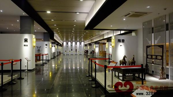 深圳红木家具博物馆一层历代家具展示区