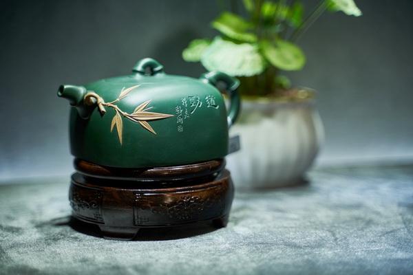 """紫砂壶与红木家具上的""""中国功夫"""""""
