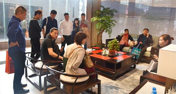 东成红木文宋亮相东莞国际名家展,引围观和青睐