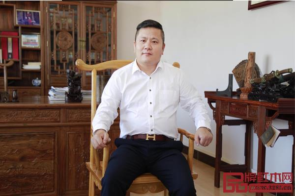 中山昊园家具董事长汪辉