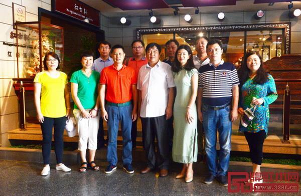 河南工程学院领导、老师一行到红古轩参观