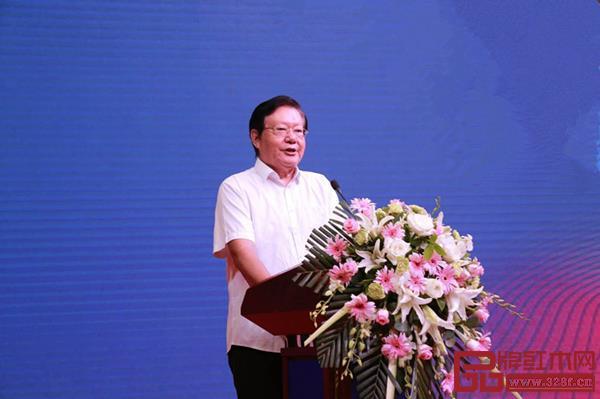 全国政协十一届委员、全国工商联九届副主席、中国西部研究与发展促进会理事长程路
