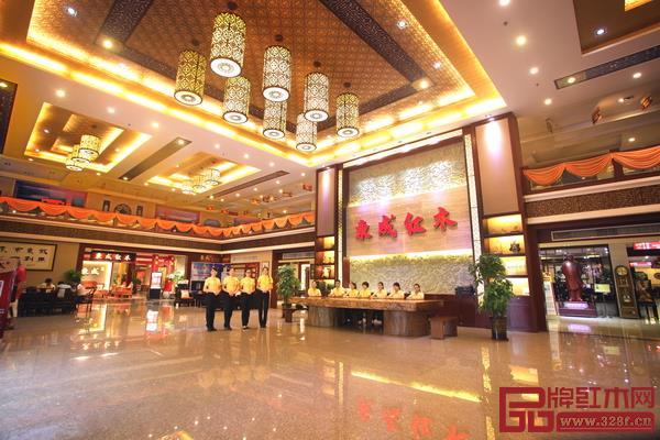 东成红木稳步前行,品牌知名度和产品美誉度与日俱增