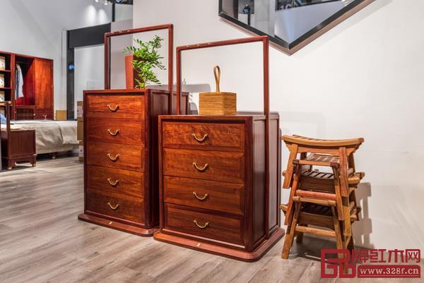 东阳名作新中式家具有限公司 名称:《静观斗柜》