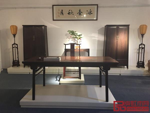 江西鲁班木艺产业有限公司 名称:《龙头罗锅枨画案》