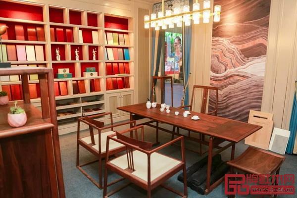 2018北京室内装饰和设计博览会暨智能云栖生活节上的中式家具