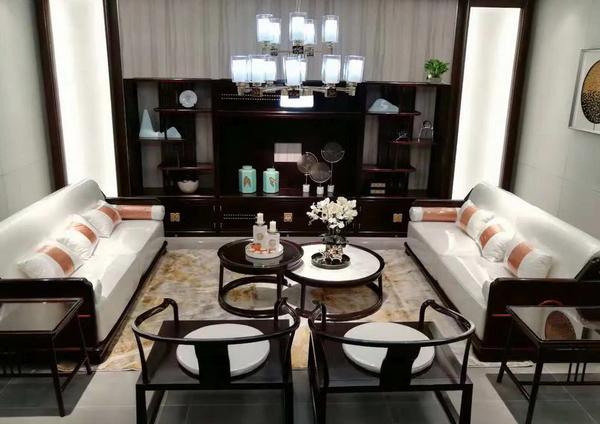 """东成红木""""文宋""""将时尚艺术与东方文化相结合,打造独具一格的居室空间"""