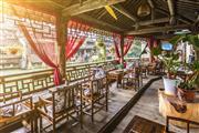 坐明式家具享杭州茶馆的文人生活