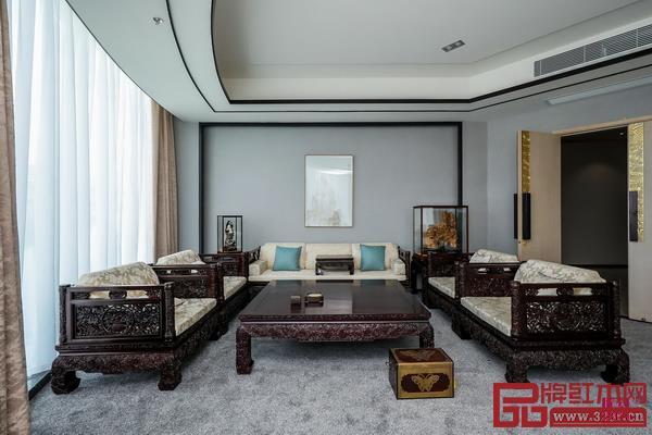 传统经典的戴为红木与现代时尚的戴为尤品的家具之美最为吸引人