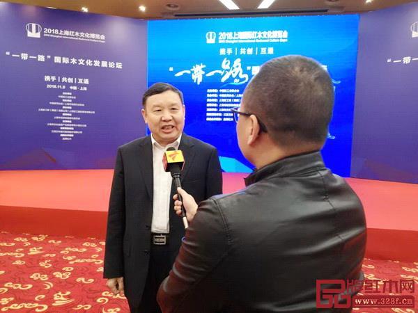 中国家具协会理事长徐祥楠接受广东广播电视台采访