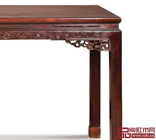清 红木蝠纹条桌(局部)