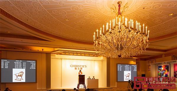 2018年9月21日,区氏臻品黄花梨躺椅以504000元于上海佳士得成功拍卖