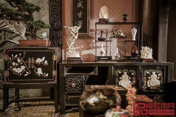 影视剧、综艺节目里的红木家具场景精致典雅,向大众传递出经典之美