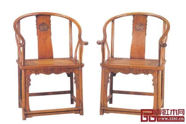 清早期黄花梨麒麟葫芦纹圈椅,长67.3厘米、宽64.2厘米、高100厘米(选自安思远:《洪氏所藏木器百图》第二卷)