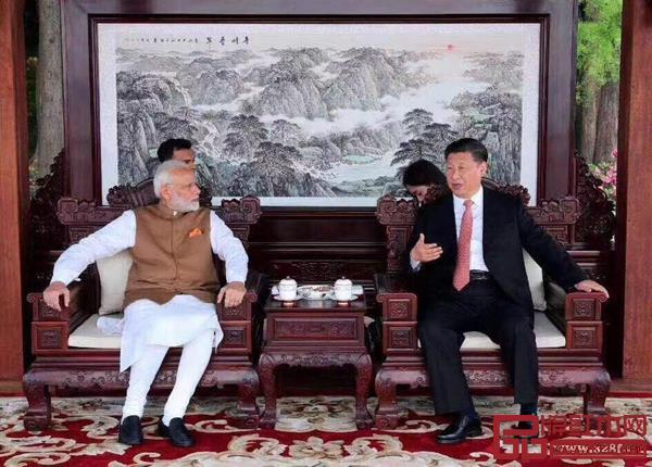 国家主席习近平在武汉东湖宾馆同印度总理莫迪举行非正式会晤