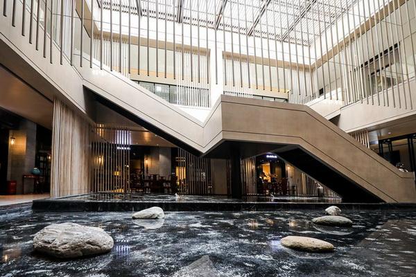 戴为生活美学馆通过美的景致,营造一种最为简单质朴的休闲方式,还原东方生活的本真美