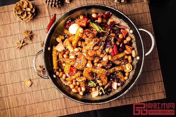 川菜中的《麻辣香锅》,民间菜系