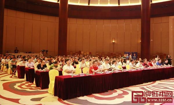 红木家具行业协会领导、企业高管、职业经理人等积极参与2019红木家具品牌营销峰会