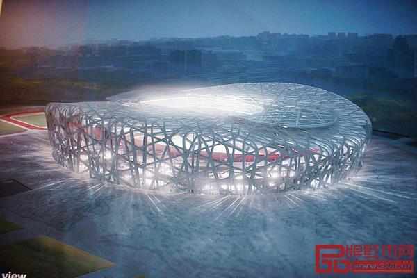 北京鸟巢体育馆,复杂而轻盈,是设计和材料创新的统一体