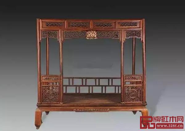 """这个是拔步床的""""凉床"""",外形相对简易大方,现在称为""""架子床"""""""