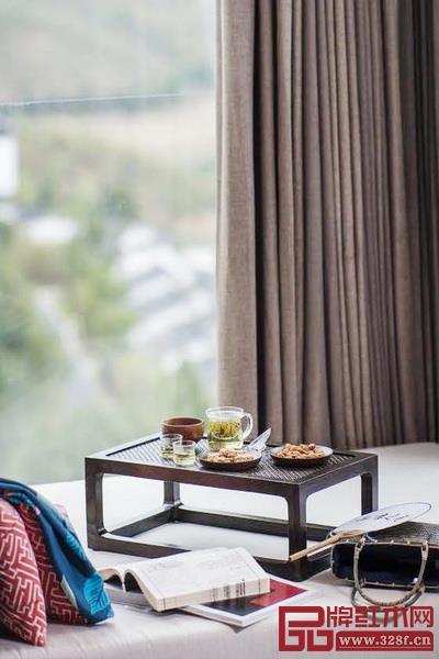 现代中国生活方式可从飘窗饮茶的有趣景象窥探一番