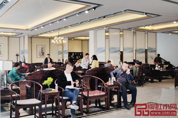 经销商参观汉府家具全新展厅