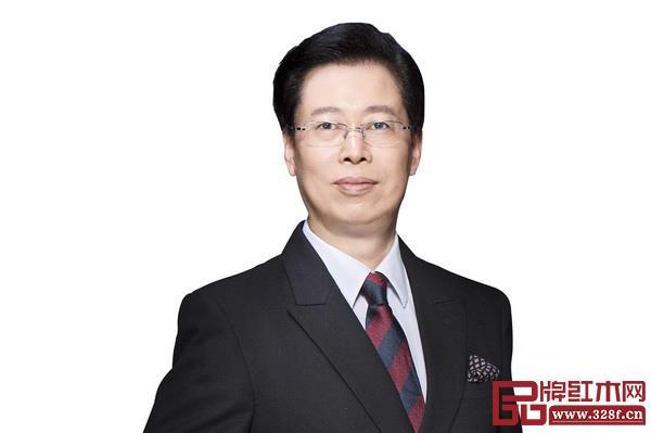 深圳家具研究开发院院长、南京林业大学家具与工业设计学院教授、博士生导师许柏鸣