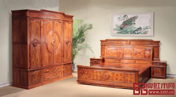 中山市王士丰精雕千赢国际入口家具有限公司 名称:《盛世年华卧房》