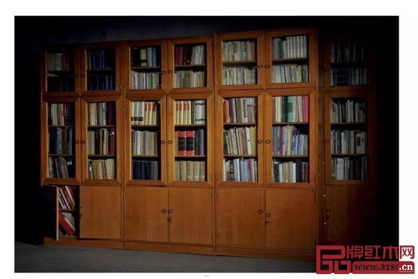 王世襄生前自用的4000册图书,连书带柜整体上拍