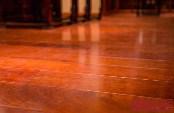 东成红木全屋定制采用缅甸花梨为主要材料
