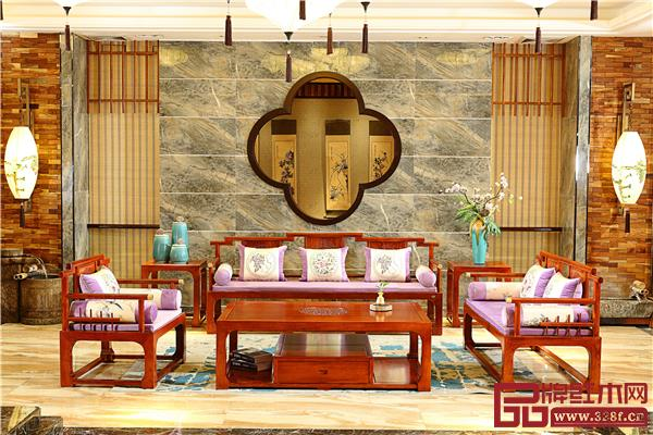 香山桃园——巴花《映江南沙发》