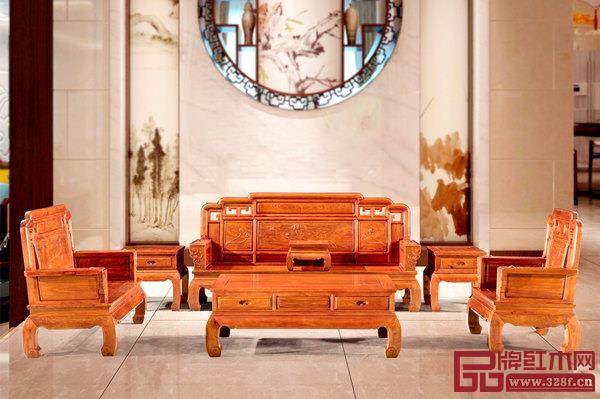 金隆红木《天姿二代雕荷花沙发》将在展会上亮相