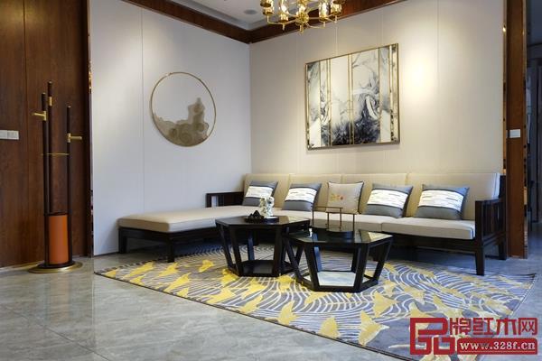 雅晟千赢国际入口·檀一关注消费者需求,新增轻爽优雅的浅驼色、墨绿色,并提升其实用性。