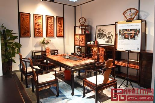 良辰轩红木展会评选区,深雕艺术随处可见