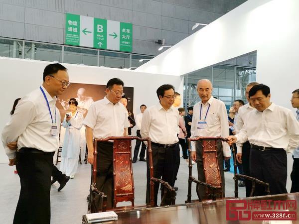 泰和园梅兰竹菊系列登陆深圳文博会、东北亚文化艺术博览会等国内国际大型展会备受关注