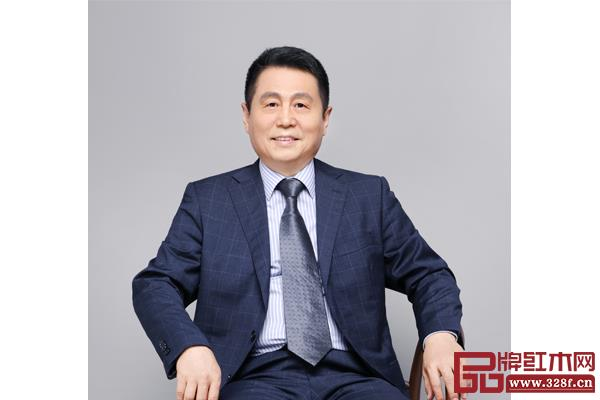 全联艺术亚博体育下载苹果家具专业委员会专家顾问、明清家具研究学者张辉