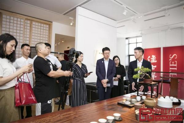 也听听总经理区锦泽,讲讲那些蕴藏在经典明式家具中的美和艺术